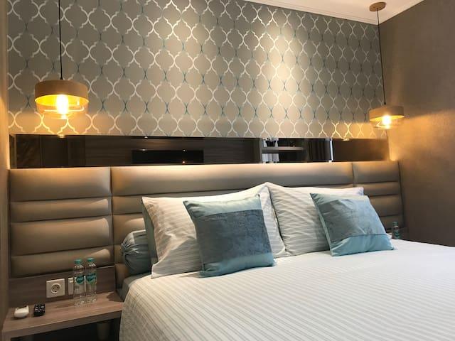 Luxury Sea View Gold Coast Suite #05.2 Apartment