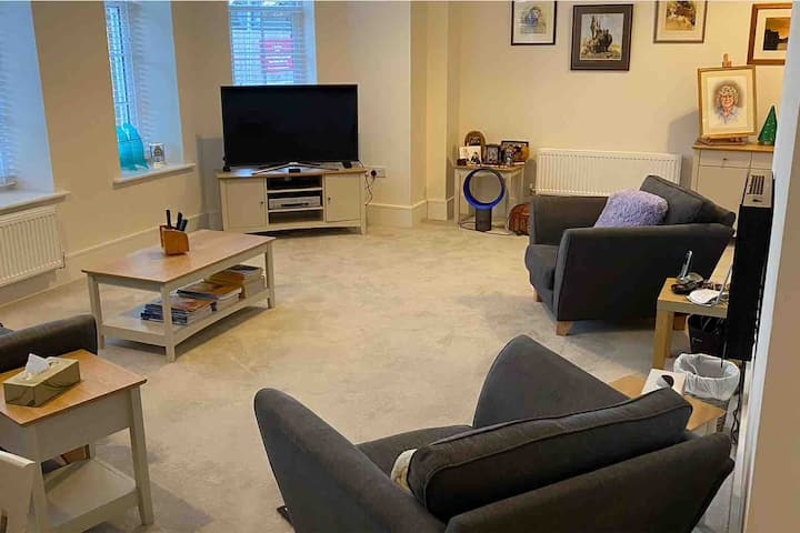 Luxury One Bed Flat in Graylingwell, Chichester