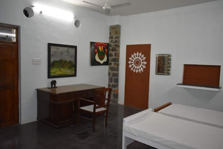 Pathayam Stay : Pathayam 9