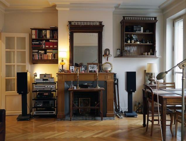 70 sqm apartment in 8th arr Paris