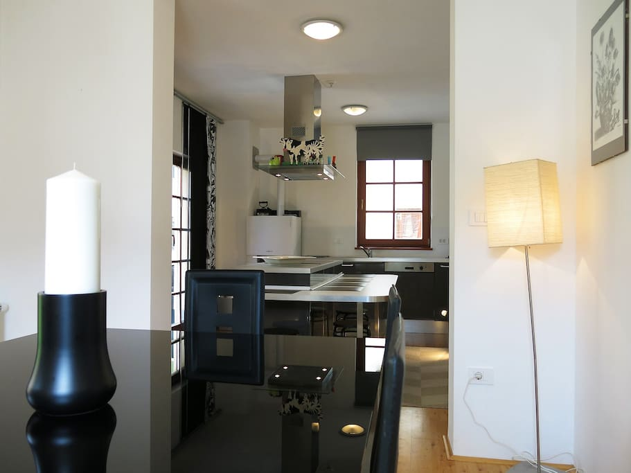 Kot House - Dining room / kitchen