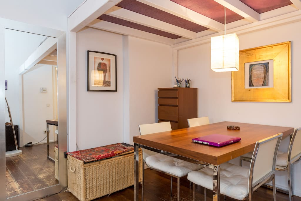 your room: dining tabe