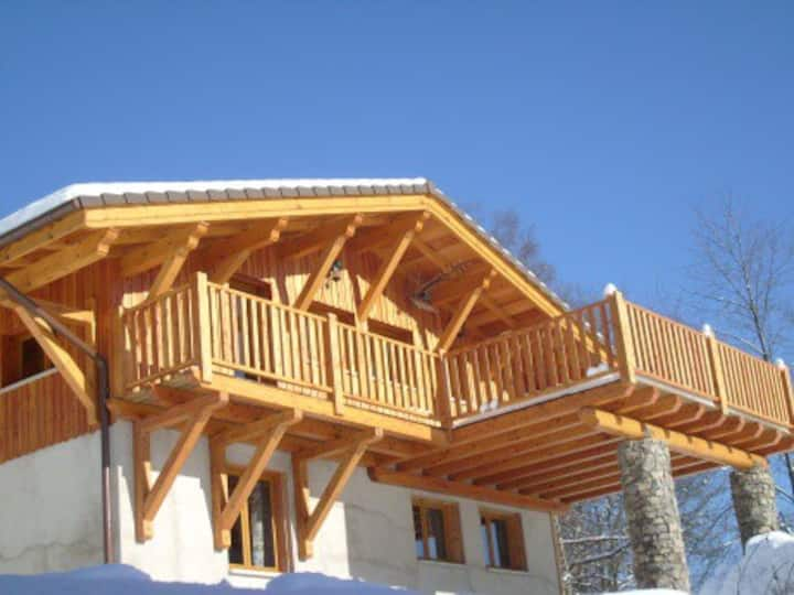 CHALET 12-18 PERSONNES 6 CHAMBRES