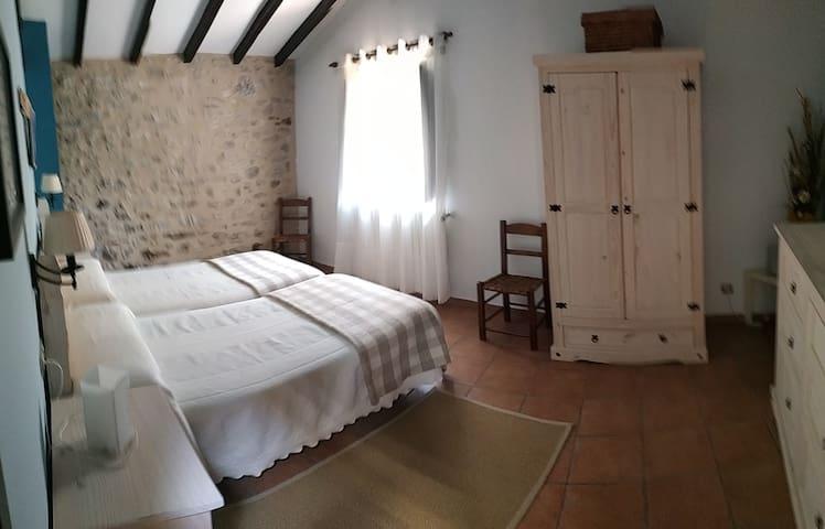 Dormitorio 4 en primera planta. Dos camas individuales.