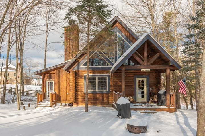 NEW! DOGS WELCOME! Lake Area Home w/2 wood fireplaces & Hot tub!
