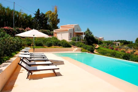 Selinunte villa with pool - Selinunte