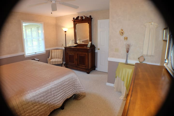 The Ridge at Table Rock: First Floor Suite - Pickens
