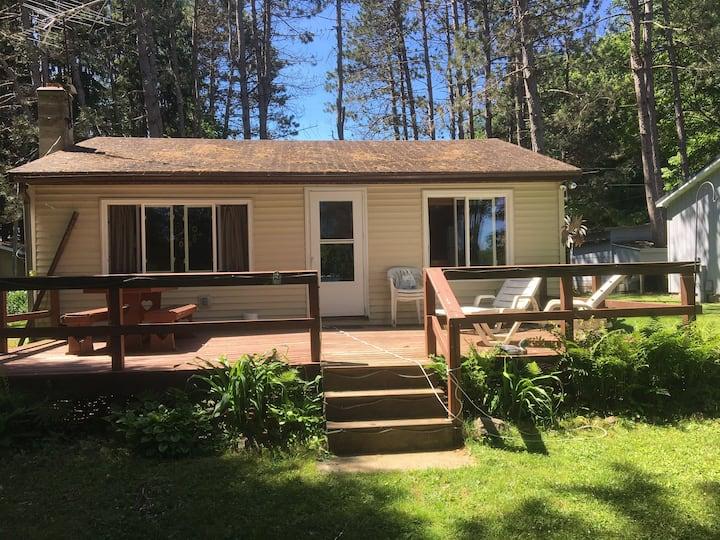 Mayflower Lake Cottage