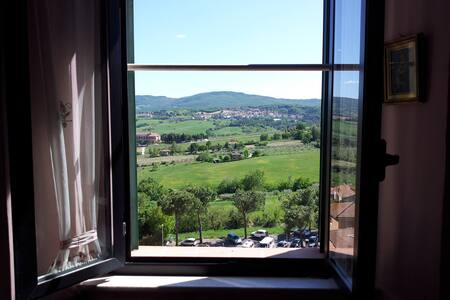 window on the valley - Chianciano Terme