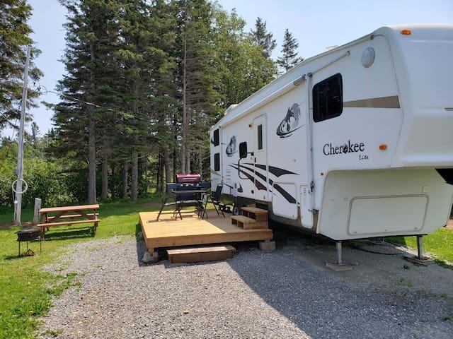 Camping du Cap Rouge Gaspé et Percé sellette 28 pi