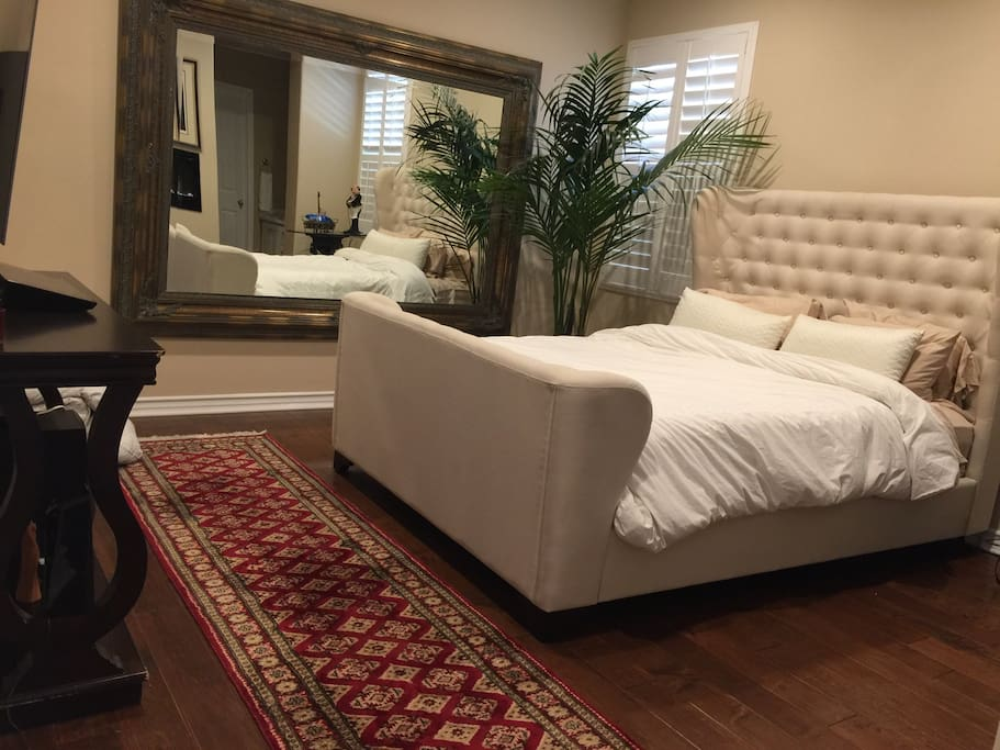 Beautiful cozy master suite with Fireplace and Top of the Line TV/Cable and furniture. All new furniture with full length mirror and tuffted headboard