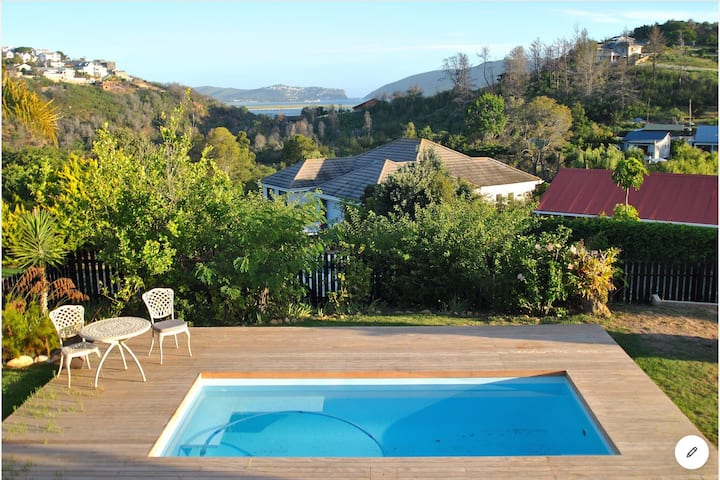 Family Holiday Home With Pool & Views