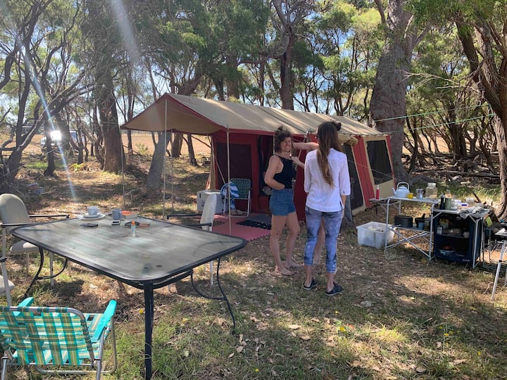 Secluded Safari Tent * King Bed  * Sweeping Views