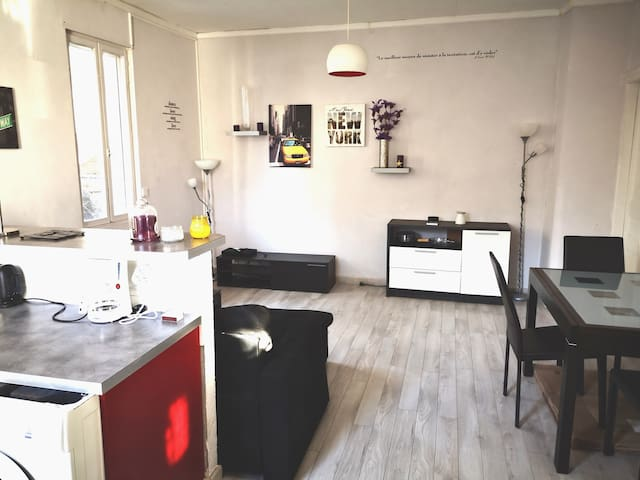 Chambre privée 2 dans Appartement meublé, équipé