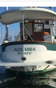 Alta Mira A Beautiful 30 Ft Trawler - キーウェスト