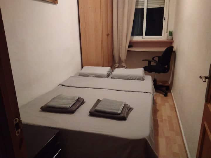 Double bedroom\Kitchen\2 Bicycles