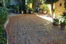 Patio con Interior con Jardín
