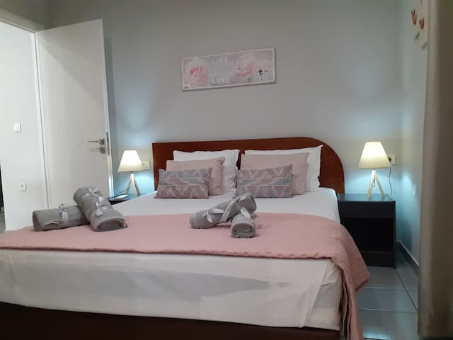 Dennis stylish  apartment - 3 min from the beach