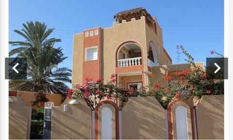 Villa Bayrem djerba o coeur de la zone touristique