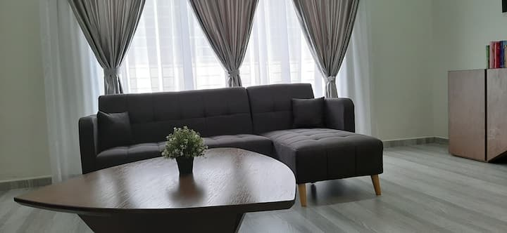 Spacious & quiet home within Seri Manjung city