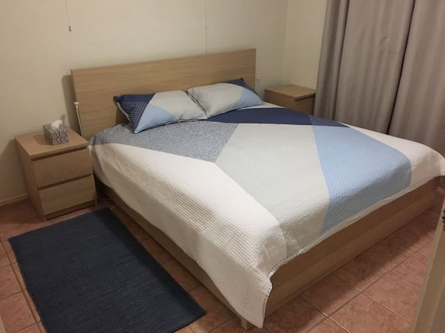 King-sized master bed room
