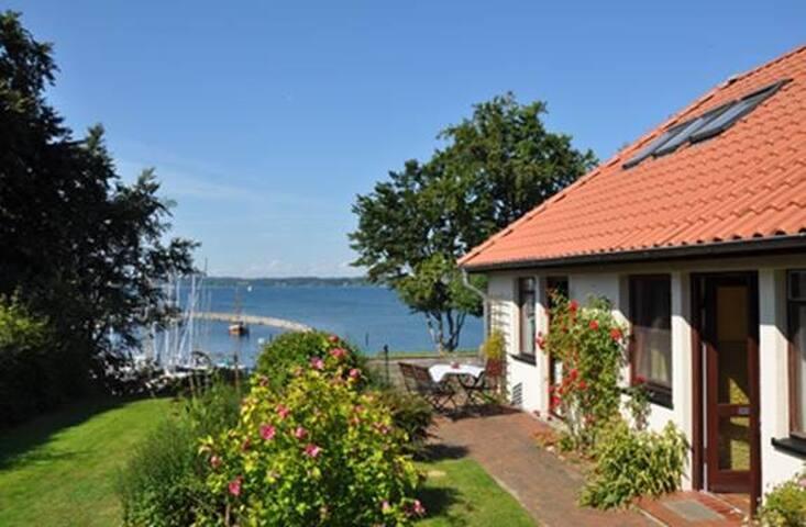 Ferienhaus Meerblick am Yachthafen - Glücksburg (Ostsee) - Maison