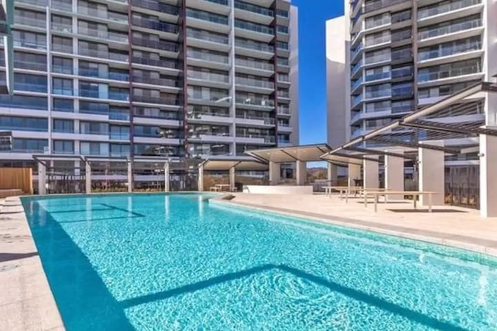 Central Canberra Resort Style Apartment