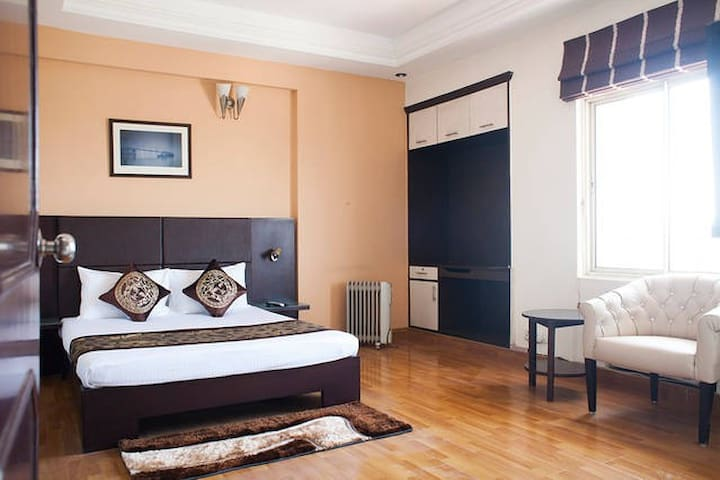 OLIVE Cozy 1 Bed Apt with Kitchen @ MG Road