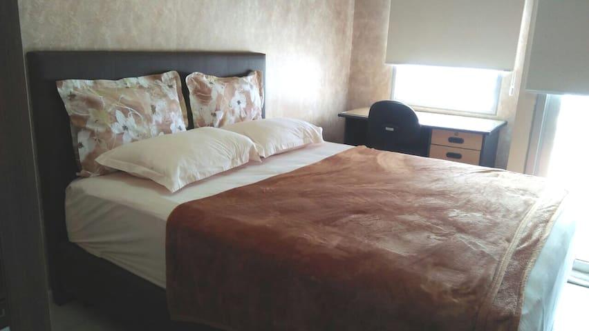 Queen Size bed 160 x 200