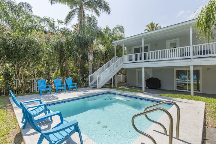 Private Home/Private Pool! 1/2 block from Beach!