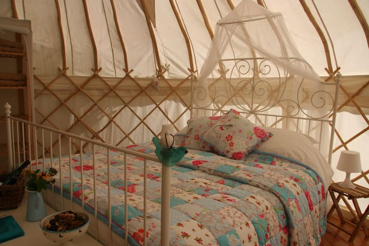 Luxury Yurt in the undiscovered Auvergne - Laval-sur-Doulon