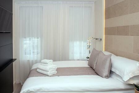 Comfortable Double Studio in Golders Green