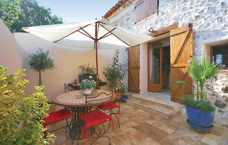Terraced house with 1 bedroom on 42 m² in Seillans