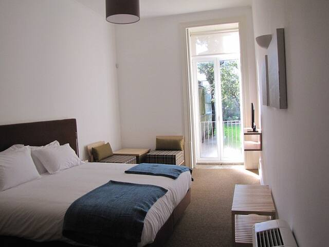Koolhouse Double/Twin Room Garden V - Porto, - House