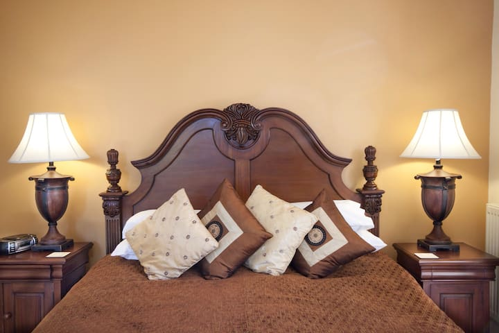 Award winning 5 Star Luxury B&B - Colwyn Bay - Aamiaismajoitus