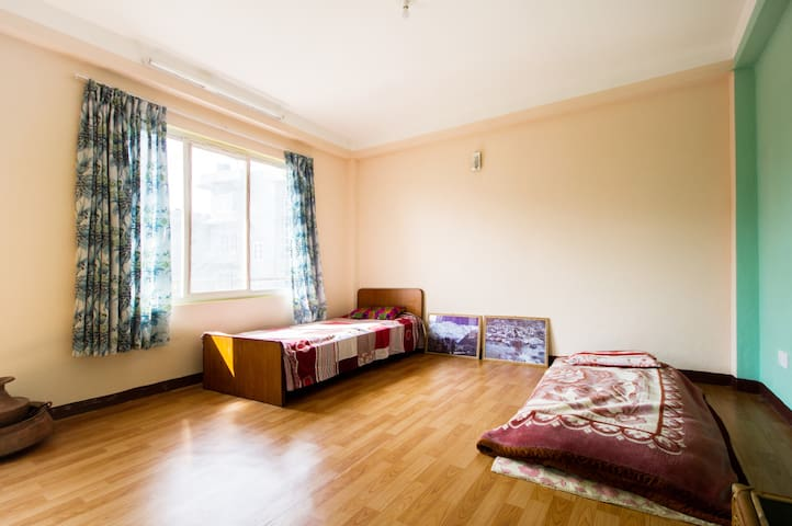 Home away from home by Suraj & Sara - Kathmandu - Dům