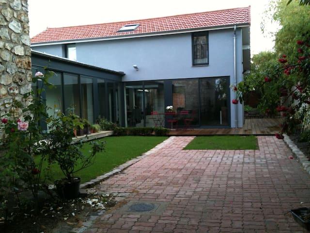 2 Chambres et salle d'eau privative - Deuil-la-Barre - Bed & Breakfast