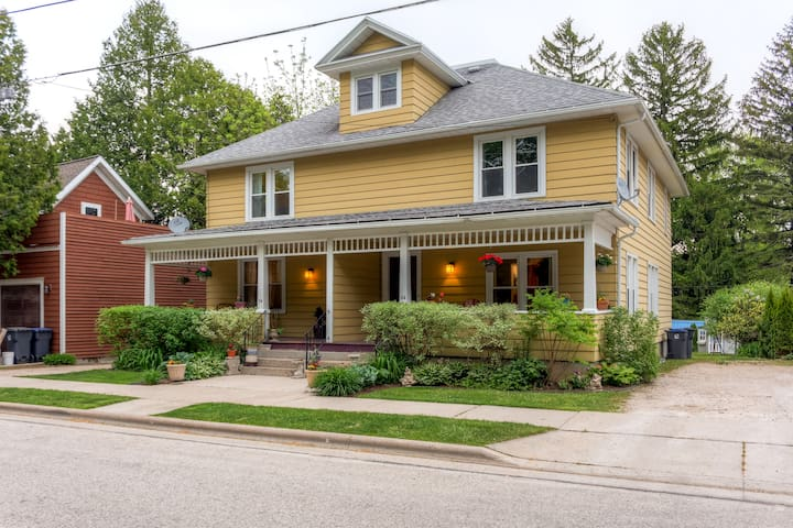 Inviting 3BR Elkhart Lake Townhome - Elkhart Lake - Rekkehus