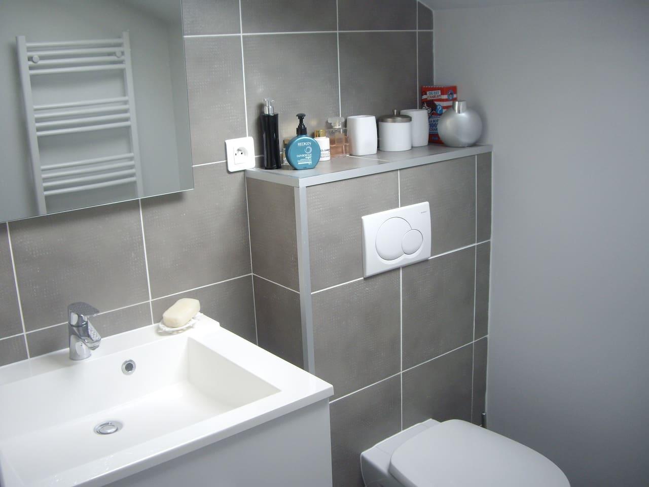 2 Schlafzimmer und Badezimmer-Suite