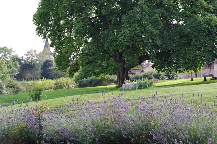 Au coeur de la Bourgogne  - Clomot - House