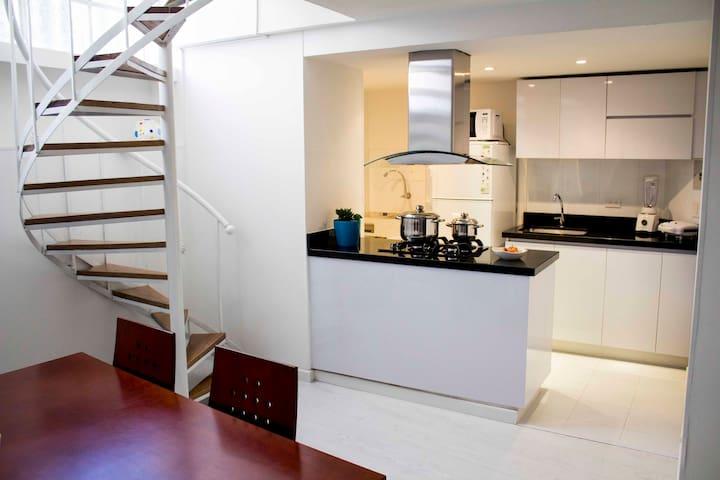 White duplex in La Candelaria - Bogota - Apartment