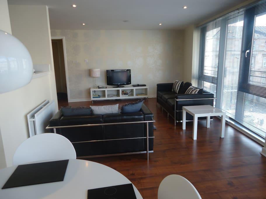 Livingroom - bright spacious open plan