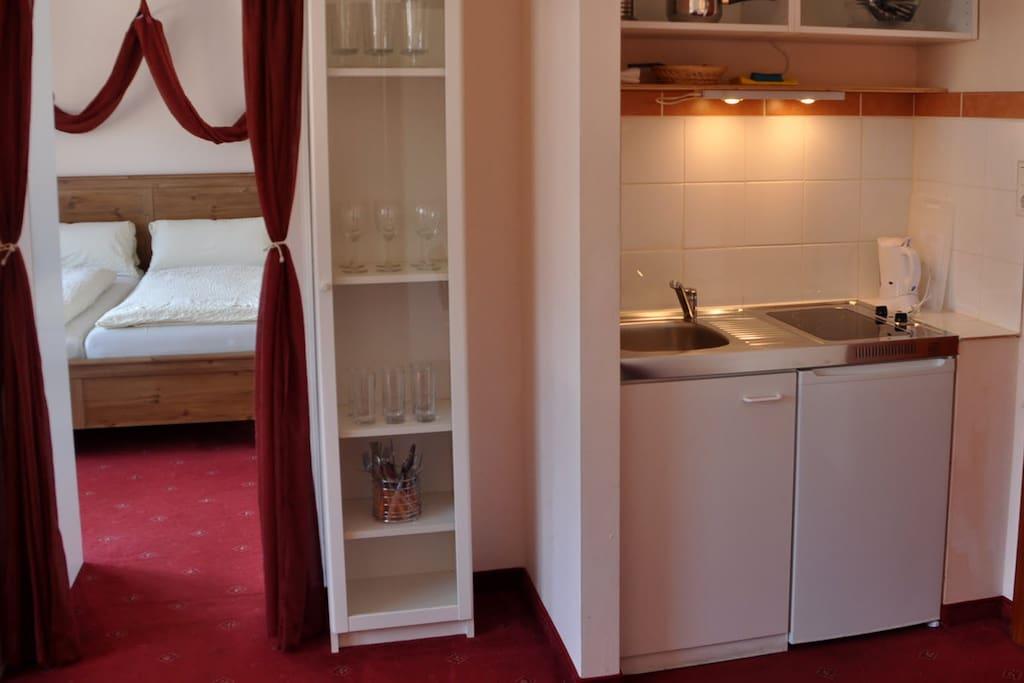 Küche und Schlafzimmer 2