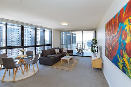 Stylish River view apartment in heart of Newstead
