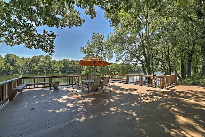 Riverfront Cotter House w/Spacious Deck & Hot Tub!