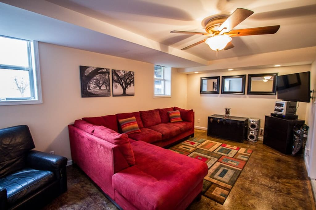 Couples getaway writer 39 s retreat apartments for rent for Weekend getaways in tennessee for couples