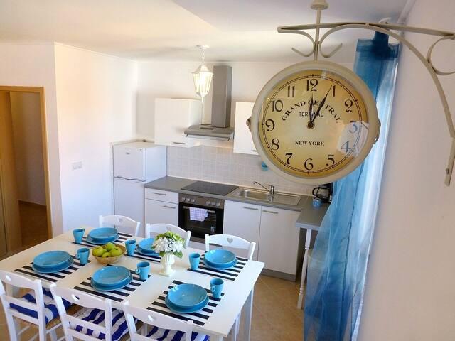 Apartmani Kvesic - Azzurro