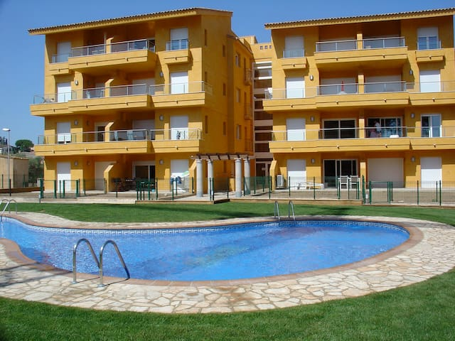 Beautiful Apartment with pool - L'Escala - Byt
