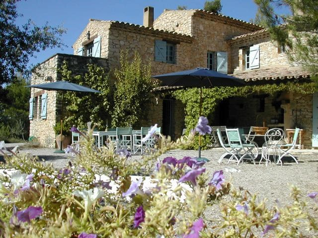 Charming quiet Mas in the vineyards - Roaix - Villa