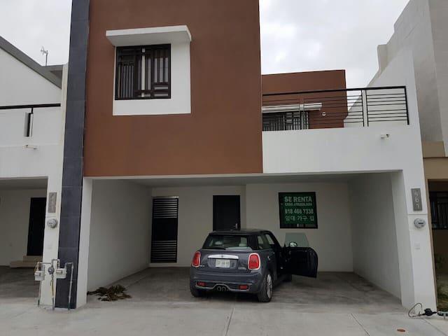 Casa en fracc Almería, Apodaca